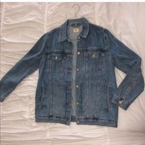 GAP Oversized Jean Jacket Size Medium